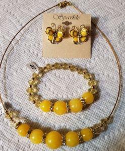 Accessories - Gold tone jewelry set choker earrings and bracelet